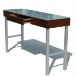 desk-with-glass